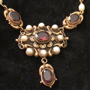 Jewelry - Semi precious garnet and seed pearl necklace